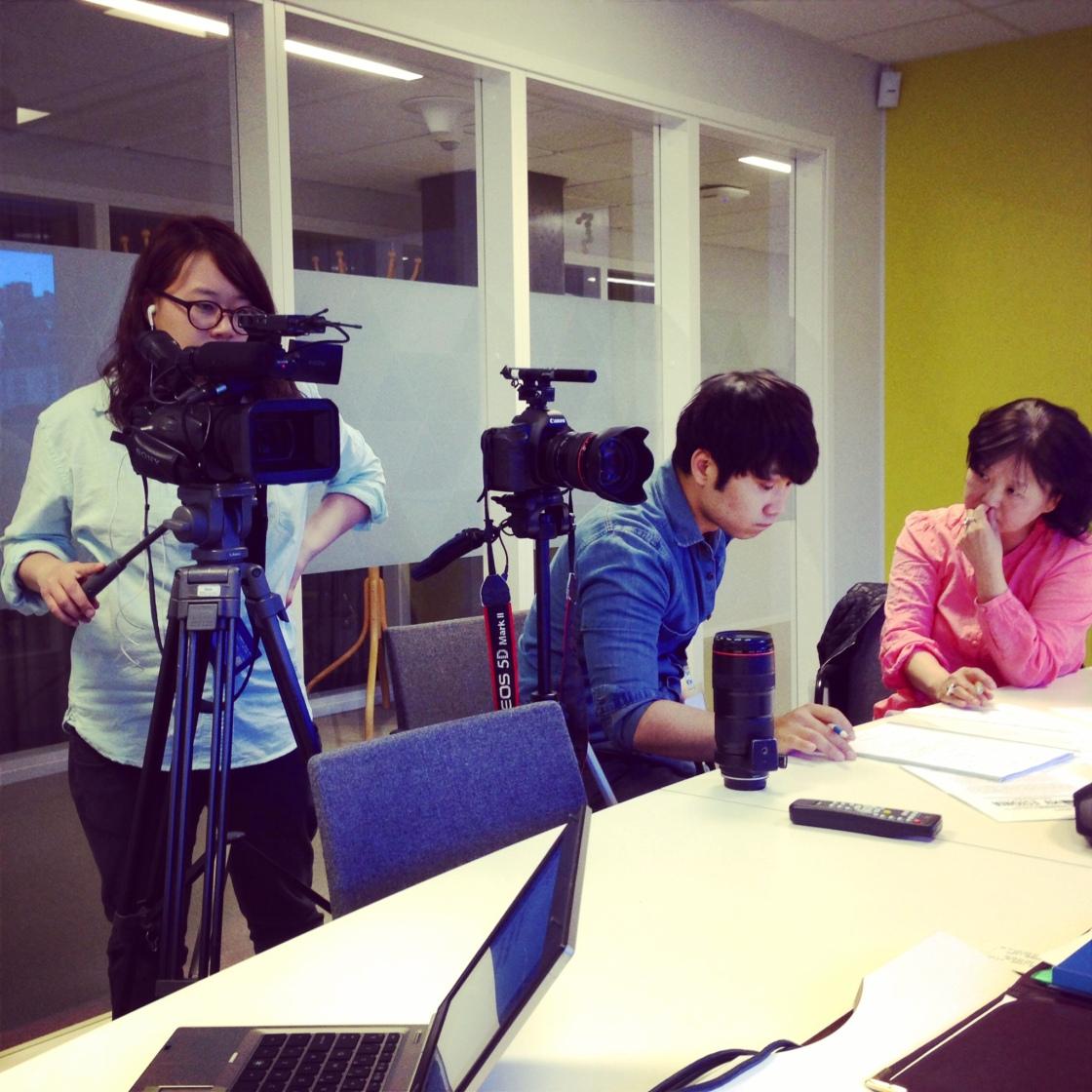 Igår blev jag intervjuad av ett koreanskt tv-team. Topp fem märkliga upplevelser i mitt liv...